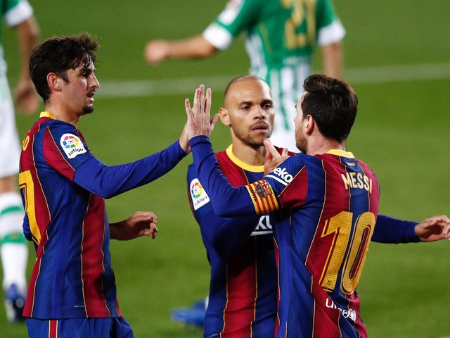 Go local! Do you get the same sense of fulfillment supporting Barcelona as you do your home-town team. Photo: GettyImages