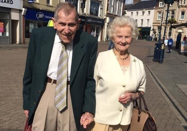 Leslie and Joyce Payne pictured around three years ago in Melton, as many remember them, hand-in-hand EMN-201116-112238001