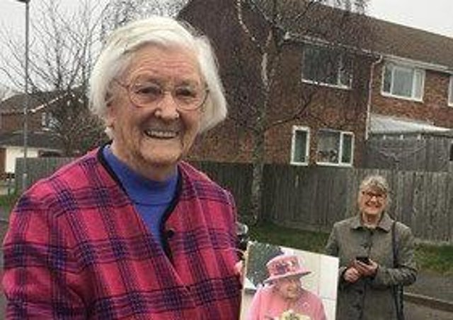 Nancy Bramall shows off her birthday card from The Queen as she celebrates her 100th birthday EMN-210903-161846001