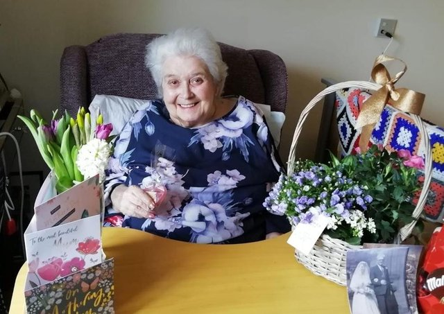 Mother's Day at Waltham Hall Nursing Home EMN-210315-171929001