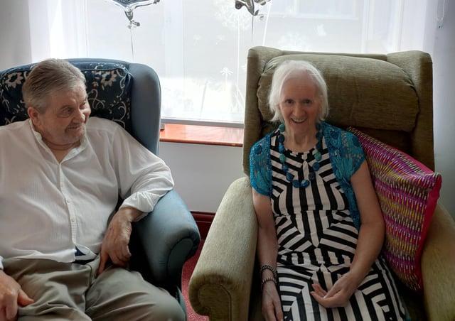 Reg and Julia Brogden celebrate their diamond wedding at Waltham Hall Nursing Home EMN-210406-125014001