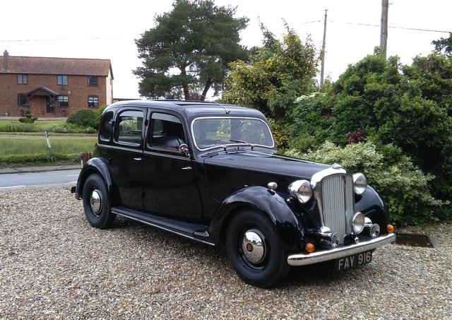 The Rover 75 first owned in 1949 by the then owner of the Tuxford and Tebbutt dairy in Melton and which has recently been sold on to its latest owner EMN-210710-171538001